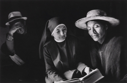 salgado_sebastiao_ecuador_nun_reading
